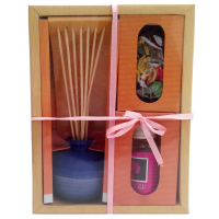 Aromatic oil & burner with reed diffuser sticks & flower petals