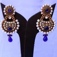 Blue stone embedded fashion earrings
