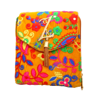 Yellow hanging bag with embroidery