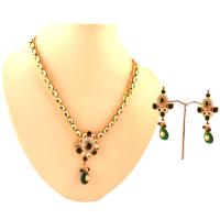 Green hanging stone in kundan set