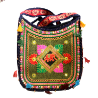 Broad handle bag with multicolour leaf-cut