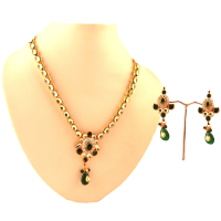 Green hanging stone in kundan set