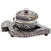 Oxidized paan shaped dibbi set