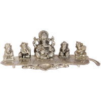 Oxidized Lord Ganesha Emboss On Banana Leaf As Divine Gift