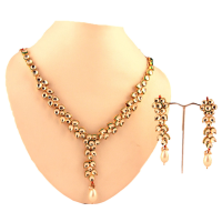Pearl and kundan set