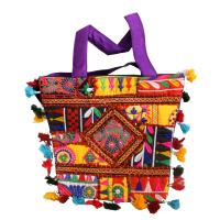 Tote bag with multi-colour detailed embroidery