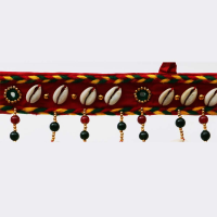 Seashell lined bandhanwar