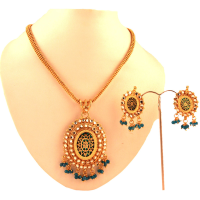 Thewa pendant set with emerald hanging balls