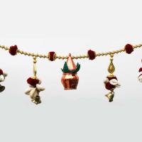Traditional bandhanwar with sleek design